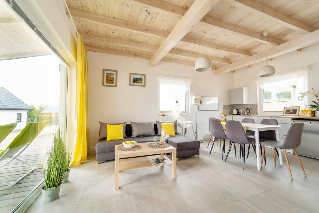 Domek Żółty salon